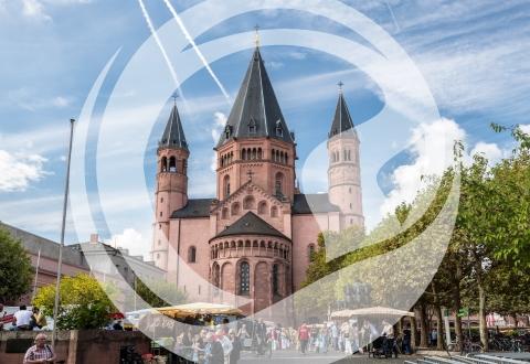 Mainzer Dom mit Wochenmarkt