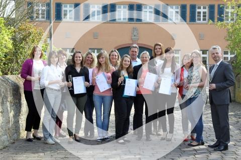 Wein- und Genusscoach Zertifikatsübergabe - Gruppenfoto