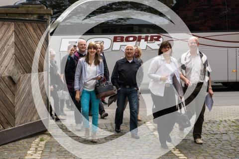 Ankunft der Gruppe bei Weingut Neus