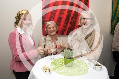 Rheinhessische Weinprinzessin Veronika Wügner mit Gästen