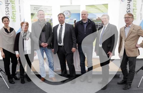 Gruppenfoto der Podiumsdiskussionsrunde Preis für Nachhaltigkeit 2016