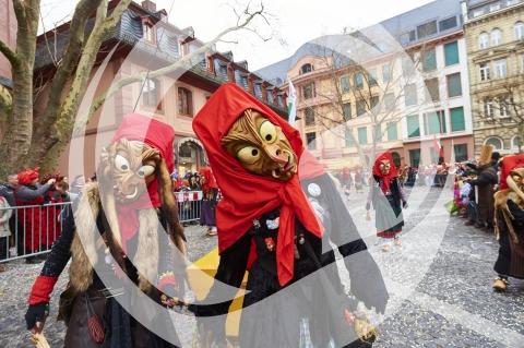Hexen am Rosenmontagsumzug Mainz