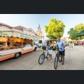 Mit dem E-Bike auf dem Wochenmarkt in Nieder-Olm