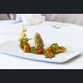 Dreierlei vom Mais, gelbe und rote Beete, Mini-Aubergine, Sommerrolle