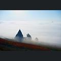 Kreuzkapelle im Herbst bei Nebel