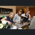Die Rheinhessischen Weinmajestäten beim Ausschenken des Begrüßungsektes