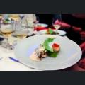 Kamm-Muschel mit marinierten Grukenwürfeln und Zitronengrasgelee